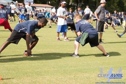 Cliff_Avril_Football_Camp_17