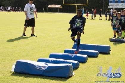 Cliff_Avril_Football_Camp_20