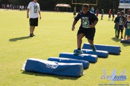Cliff_Avril_Football_Camp_22