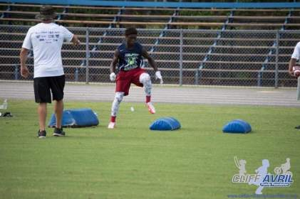 Cliff_Avril_Football_Camp_25