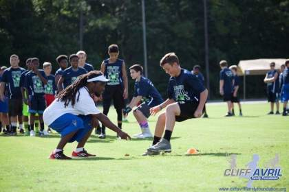 Cliff_Avril_Football_Camp_36