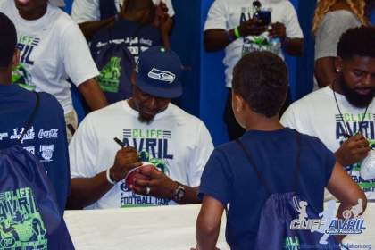 Cliff_Avril_Football_Camp_90