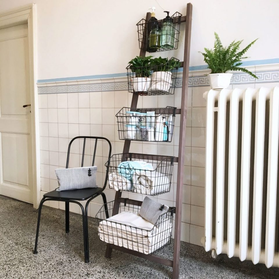Bathroom Ladder Shelf With Baskets
