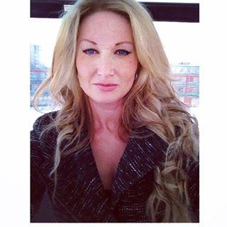 Christine on Clifton Hill, Niagara Falls Pinterest contest