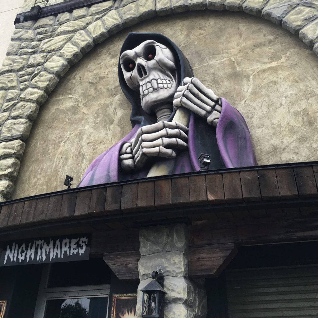 """""""Scary"""" Things To Do On Clifton Hill"""