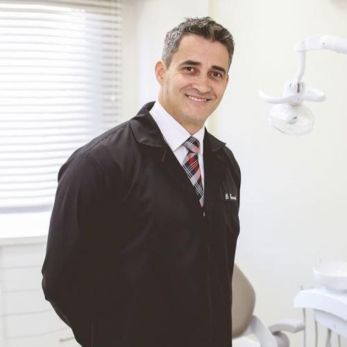 Dr. Emerson Olsson