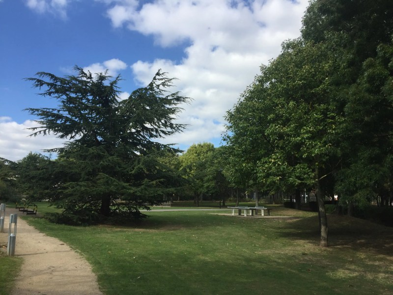 Whitington Park Barbecue parks in London Clink Hostels