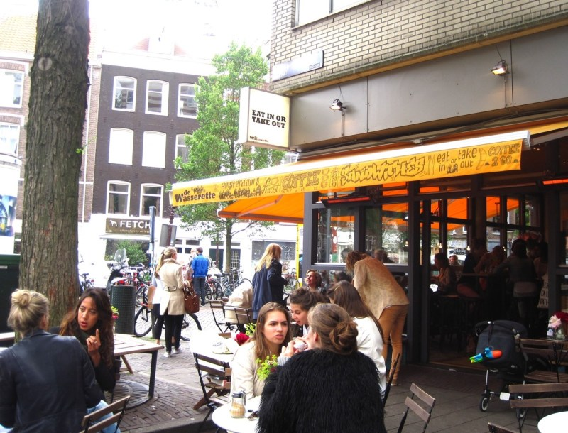 De Wasserette Local restuarants in Amsterdam Clink Hostels