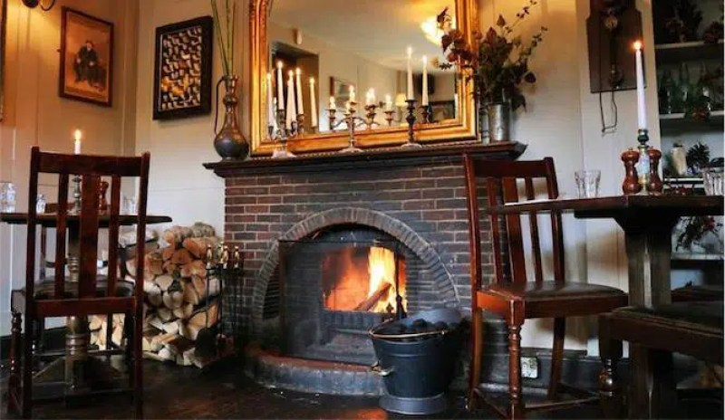 The Flask cosy pubs in London Clink Hostels