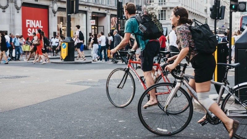 Cycling in Central London   101 Guide to Safe Cycling Around London   Clink Hostels
