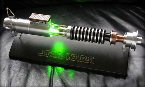 Luke-Skywalker-Lightsaber