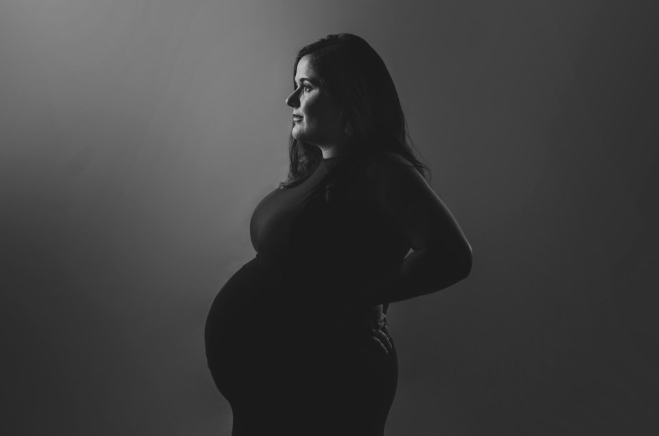 pregnancy curves maternity photo shoot in Dallas CLJ Photography
