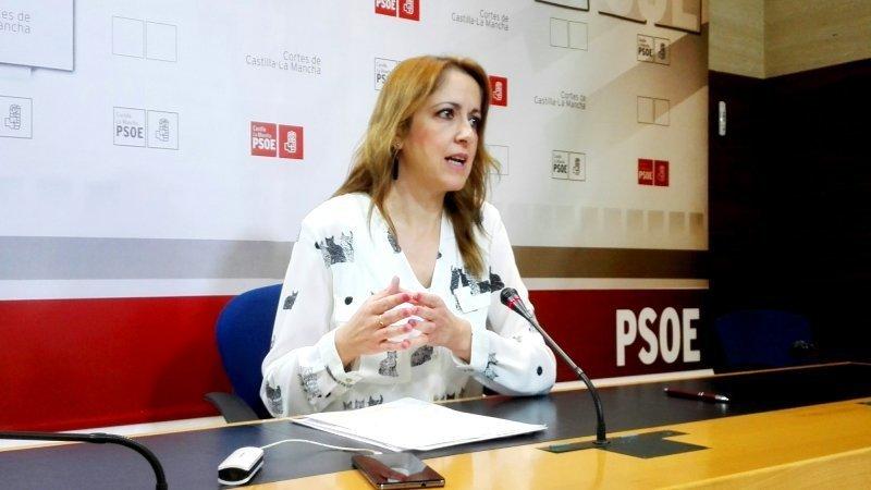 La vicesecretaria y portavoz del PSOE de Castilla-La Mancha, Cristina Maestre, durante la rueda de prensa que ha ofrecido en el Parlamento regional