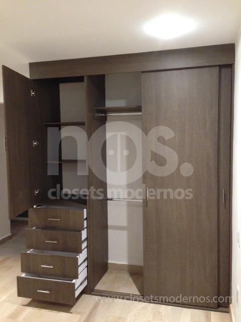 closet con puerta corrediza y abatible