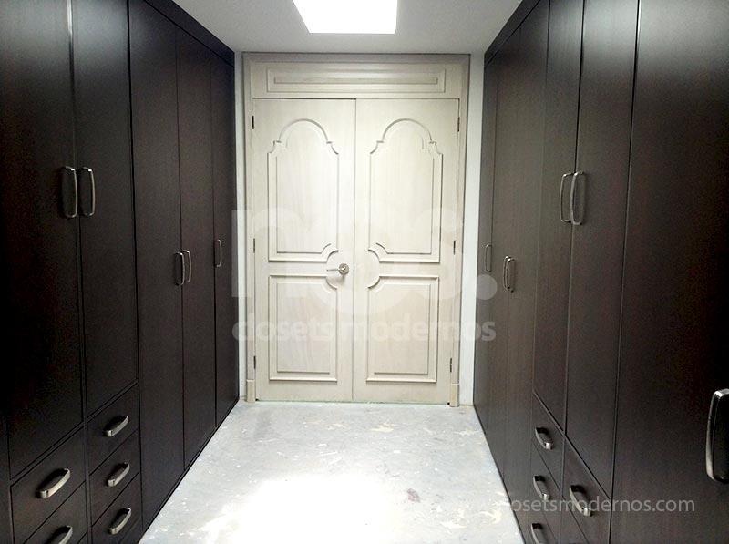 stunning simple vestidores de lujo with imagenes de vestidores modernos with puertas de vestidores modernos with - Vestidores De Lujo