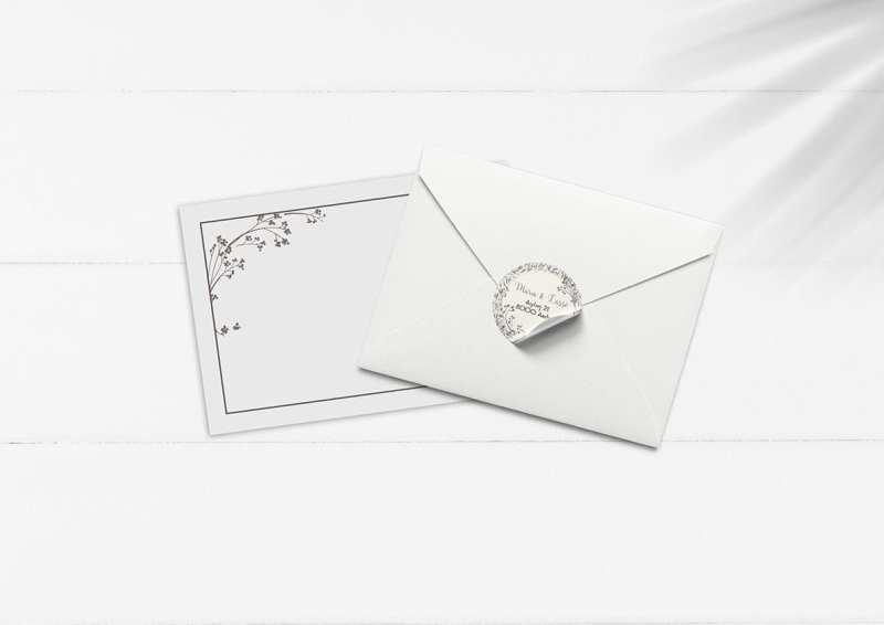 kuvert pakke med stickers mus gråbrun