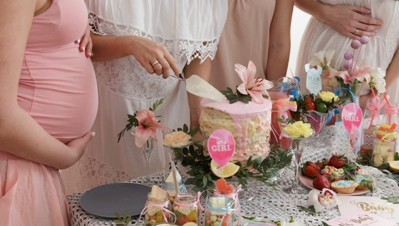 Babyshower. Pige. lyserød. kage. its a girl.
