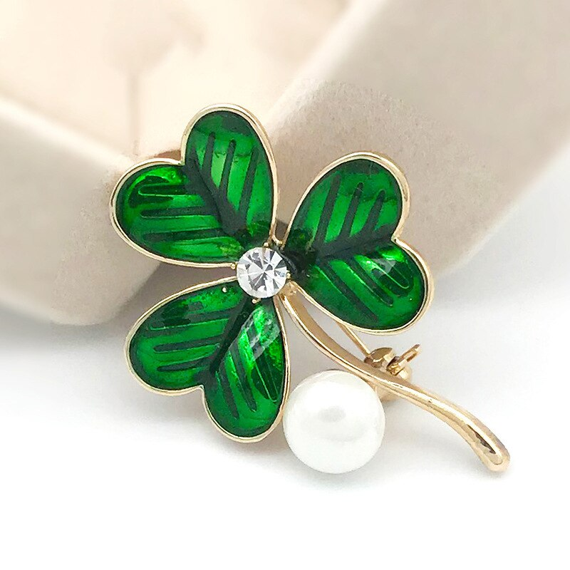 Green Leaf Pearl Clover Dripping Oil Brooches Romantic Corsage Women Brooch Silk Scarf Buckle Clothing Accessories CLOVER JEWELLERY