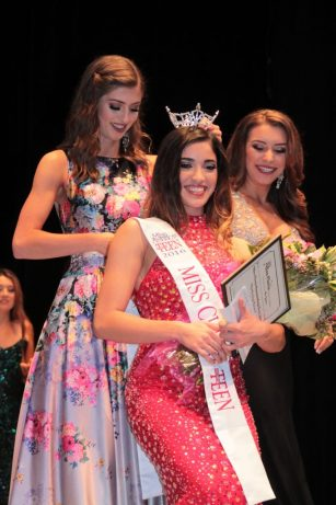 Photos by Ron Sundquist Danae Manibog is crowned Miss Clovis Outstanding Teen 2016.