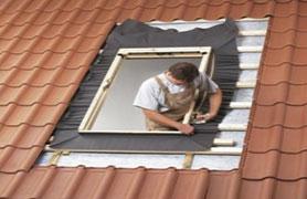 fereastra velux premium cu operare de sus