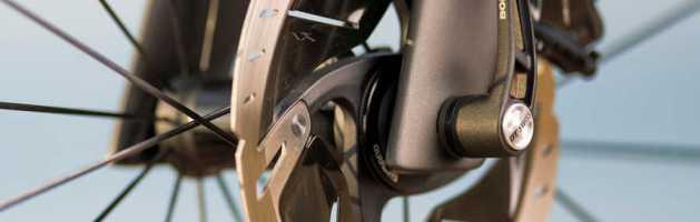 Tout ce qu'il faut savoir sur les freins à disque pour vélo de route