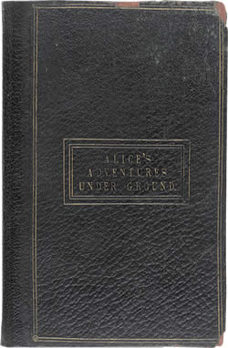 Couverture du manuscrit original d'Alice au Pays des Merveilles © The British Library