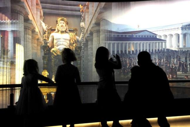 Olympic museum photo intérieur grand ecran interactif