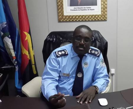 Comandante da Polícia desmente acusações de alegados desvios de meios da corporação