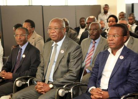 Angola: CNE tem cinco candidatos no concurso à presidência