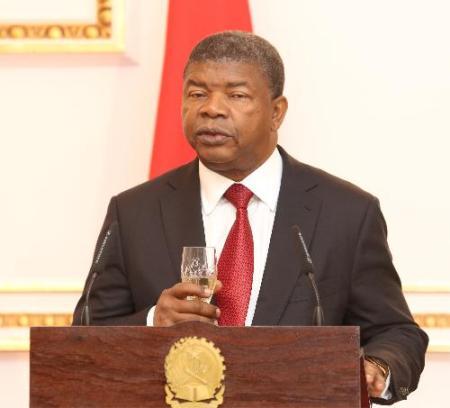Angola negoceia crédito de USD mil milhões para dinamizar sector privado