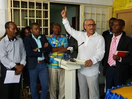 Oposição angolana contesta justificação do Governo sobre falta de combustíveis