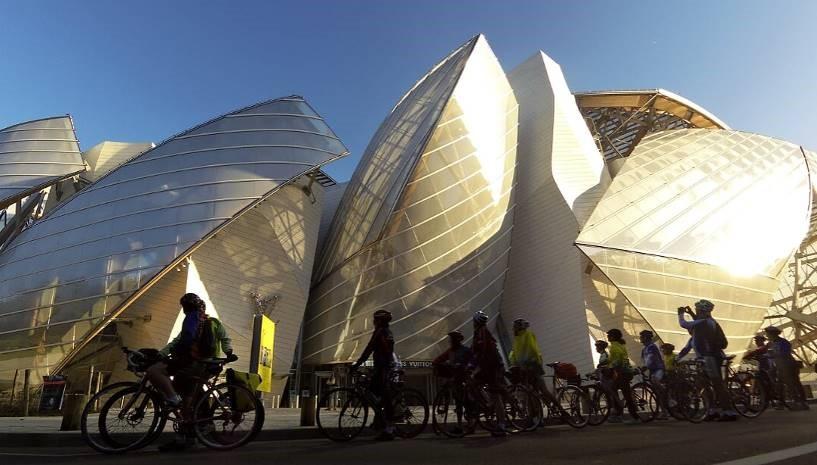 Balade dominicale dans Paris pour les cyclistes