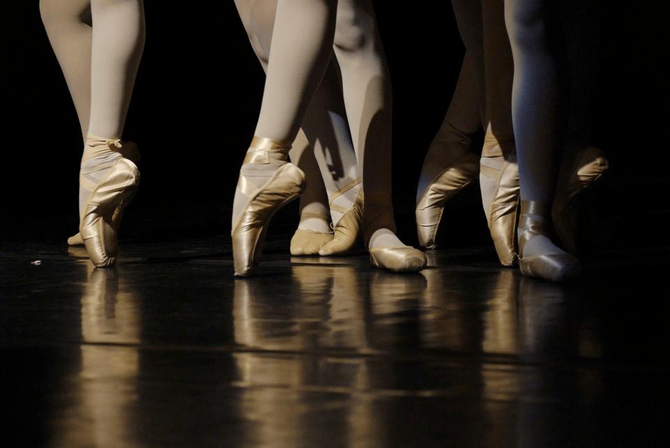 En cette période mouvementée, les adhérentes de la section danse classique de La Défense témoignent…
