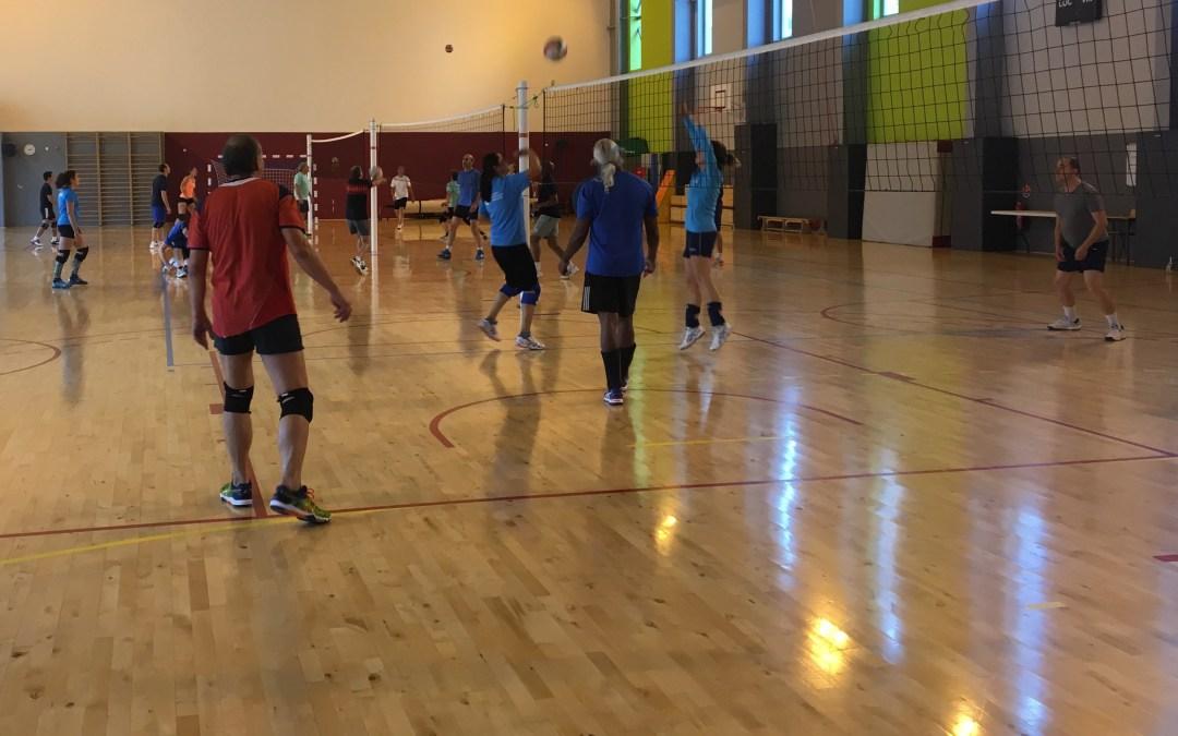 Rejoignez la section Volley-ball tous les lundis midi à Courbevoie