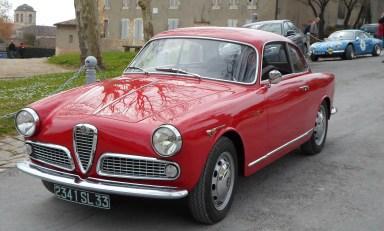 Alfa_Romeo_Giulietta_Sprint_Blaye_2013_01