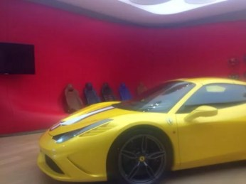 Ferrari 458 Speciale Spider foto spia 2
