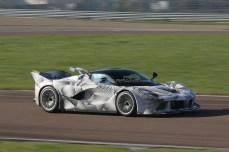 Ferrari-LaFerrari-XX-a-Fiorano-foto-spia-4-1024x682