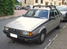 Alfa_Romeo_75_RWD