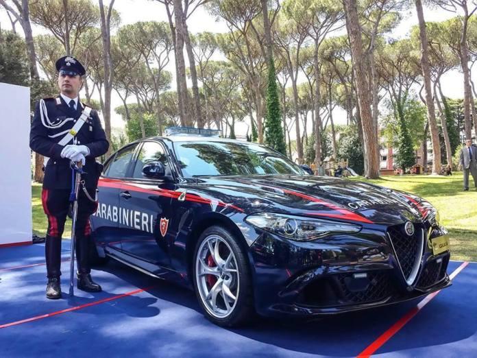 alfa romeo giulia anteriore carabinieri