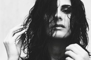 Rebekah najavila novi EP na svom lejblu