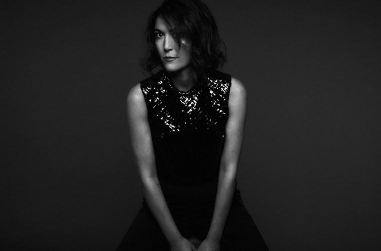 Francesca Lombardo najavljuje singl 'Rain'
