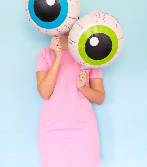 DIY Eyeball Balloons for Halloween   Club Crafted