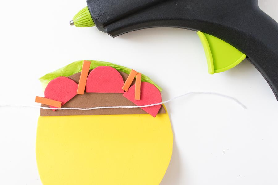 DIY Simple Taco Banner for a Cinco de Mayo Party!   Club Crafted