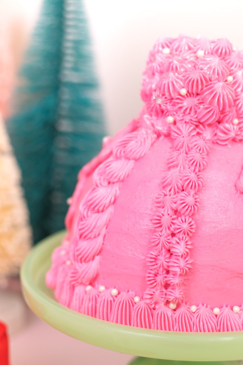 closeup of knit designs on winter hat cake