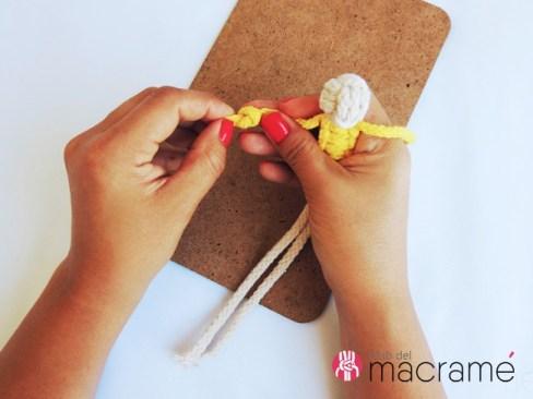 Agodoncín: Como hacer un muñeco en macramé. Acabado final