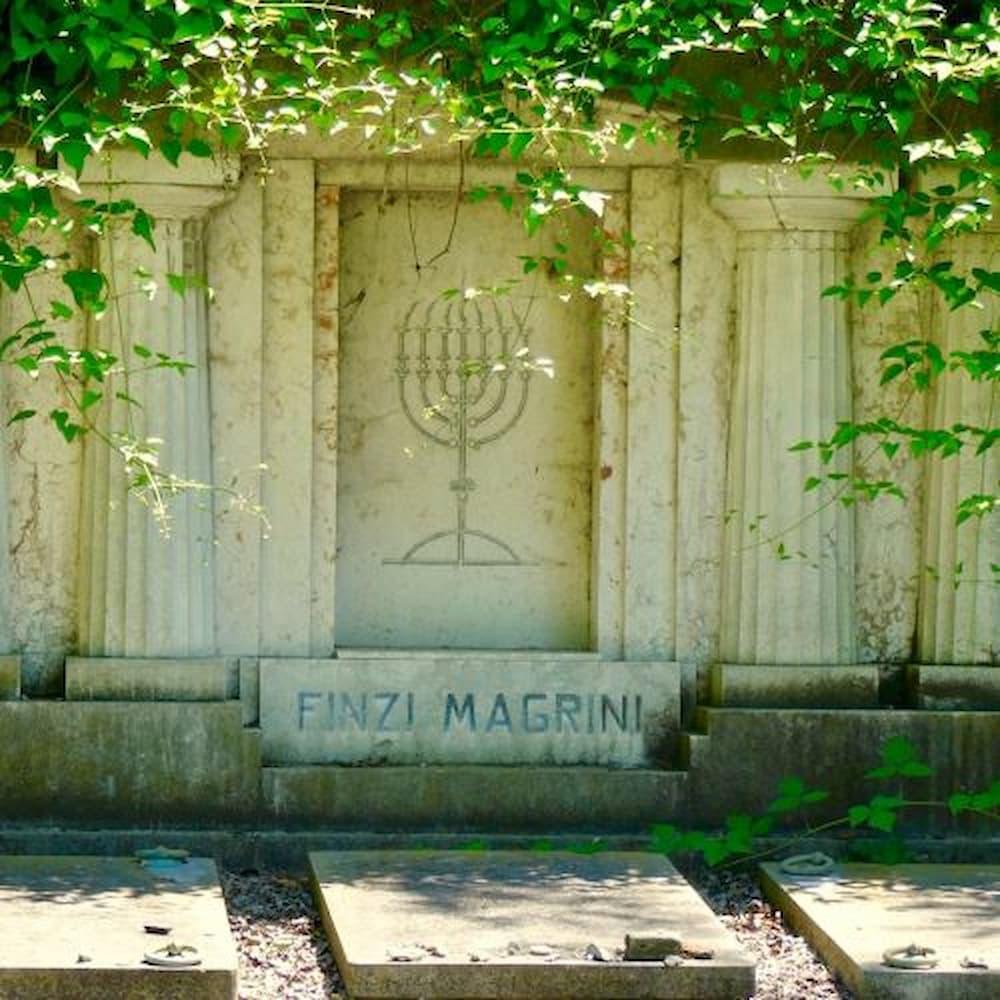 ferrara-giorgio-bassani-cimitero-ebraico