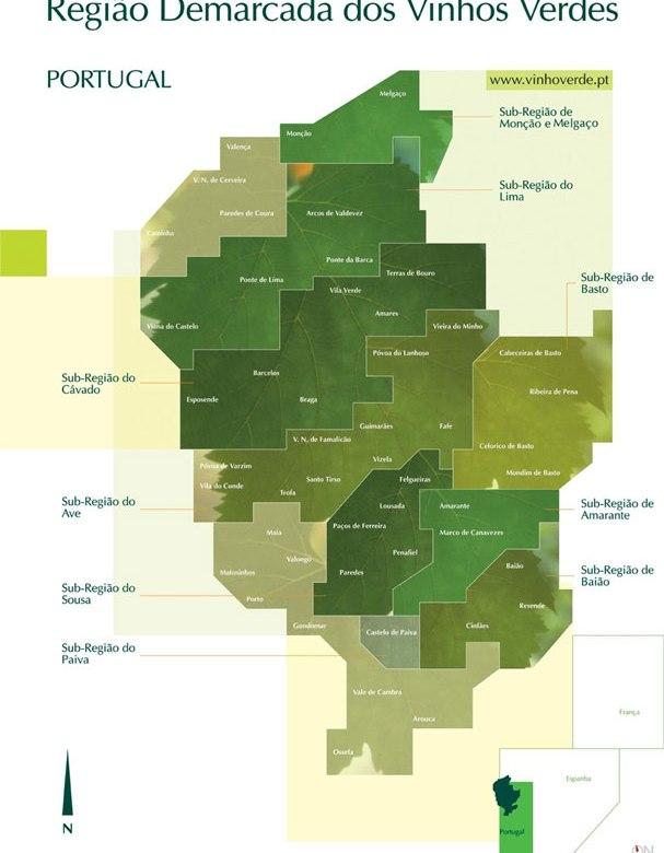 A actual Região Demarcada dos Vinhos Verdes estende-se por todo o noroeste do país, na zona tradicionalmente conhecida como Entre-Douro-e-Minho. Tem como limites a norte o rio Minho (fronteira com a Galiza), a nascente e a sul zonas montanhosas que constituem a separação natural entre o Entre-Douro-e-Minho Atlântico e as zonas do país mais interiores de características mais mediterrânicas, e por último o Oceano Atlântico que constitui o seu limite a poente.