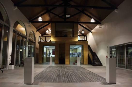 A adega data do primeiro terço do século passado, com a arquitectura tradicional do Ribatejo e o enquadramento de um bonito e agradável pátio interior.
