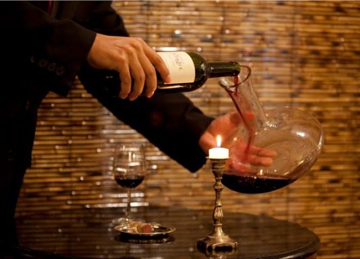 Como impressionar os seus amigos com um serviço de vinhos 5