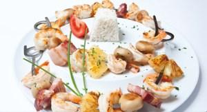 Espetada de camarão com toucinho e ananás  Chef Hernani Ermida